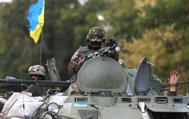 В зоне АТО позиции украинских военнослужащих попали под вражеский обстрел из минометов