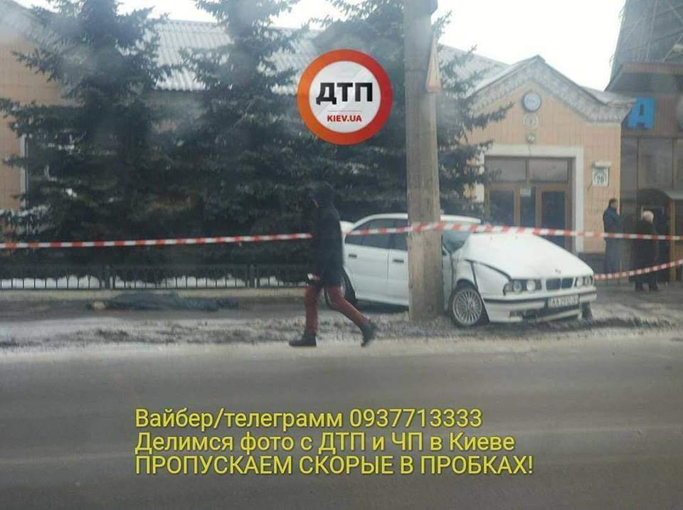 В столице авто врезалось в столб. Есть погибший (Фото)