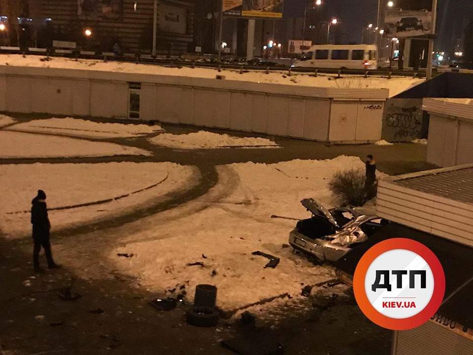 В столице разрушительное ДТП с возгоранием обошлось без пострадавших (Видео)