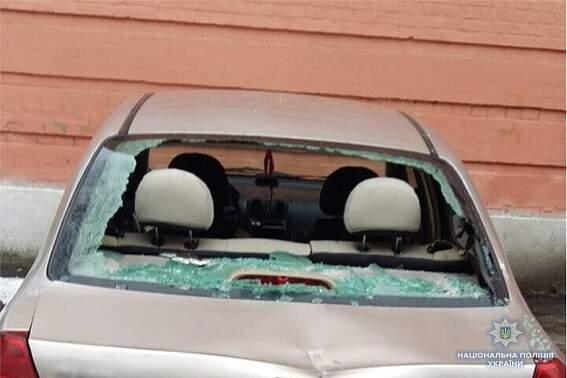 Появились подробности нападения на машины во дворе столичного суда (Видео)