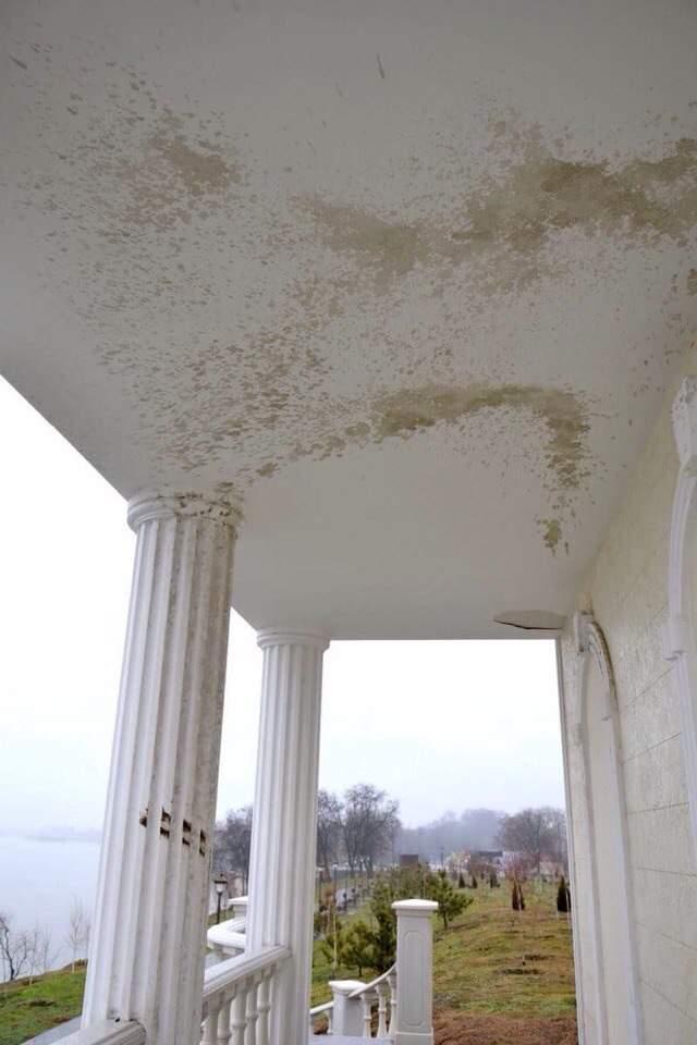 В Измаиле бювет на набережной Дуная пострадал от рук вандалов (фото)