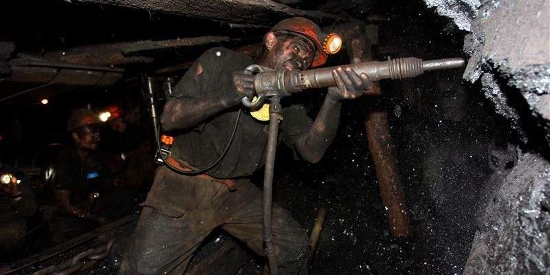 В Донбассе шахтеры продолжают бессрочную акцию протеста