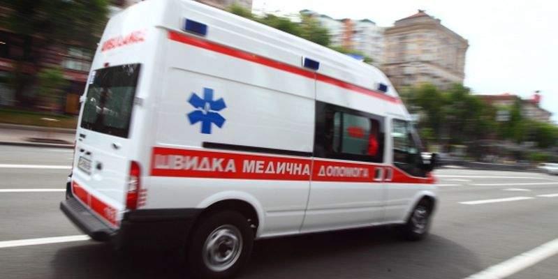 В Харькове неадекватный пациент угрожал бригаде