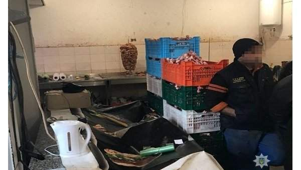 В Киеве обнаружили подпольный мясоперерабатывающий цех, где работали и жили