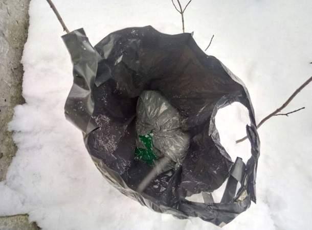 Во Львове сотрудники СБУ  обнаружили тайник с гранатами