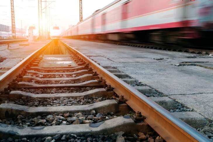 На Киевщине молодой парень погиб под колесами поезда