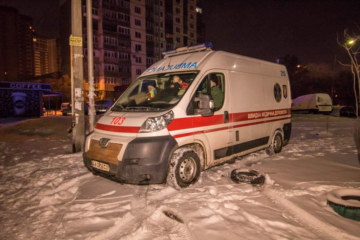 В Киеве в многоэтажном жилом доме произошел пожар (фото)