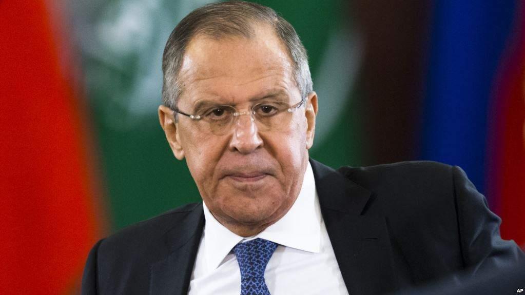 Лавров: Россия не будет просить снятия с нее санкций