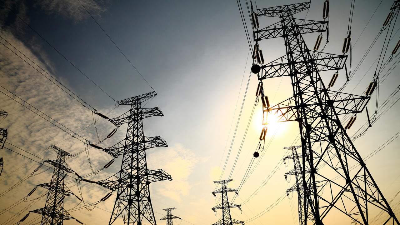 В Донецкой области из-за непогоды 22 населенных пункта остались без электричества