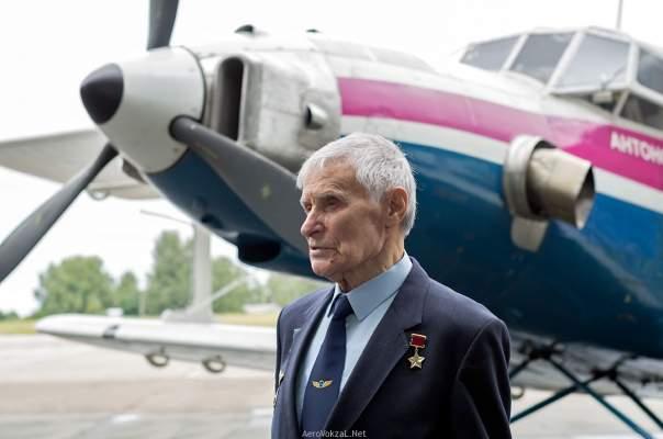 Ушел из жизни легендарный летчик