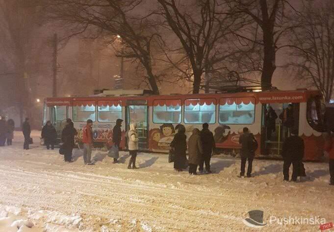 В Одессе задымился трамвай с пассажирами (Фото)
