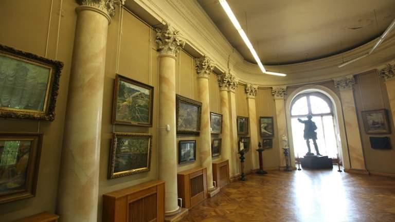 В Одессе музейные экспонаты страдают из-за протекающей крыши