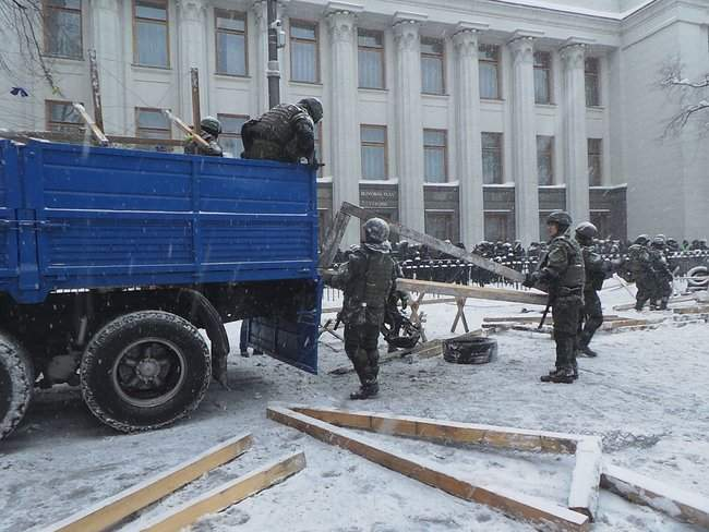 В столице восстановили движение по Грушевского
