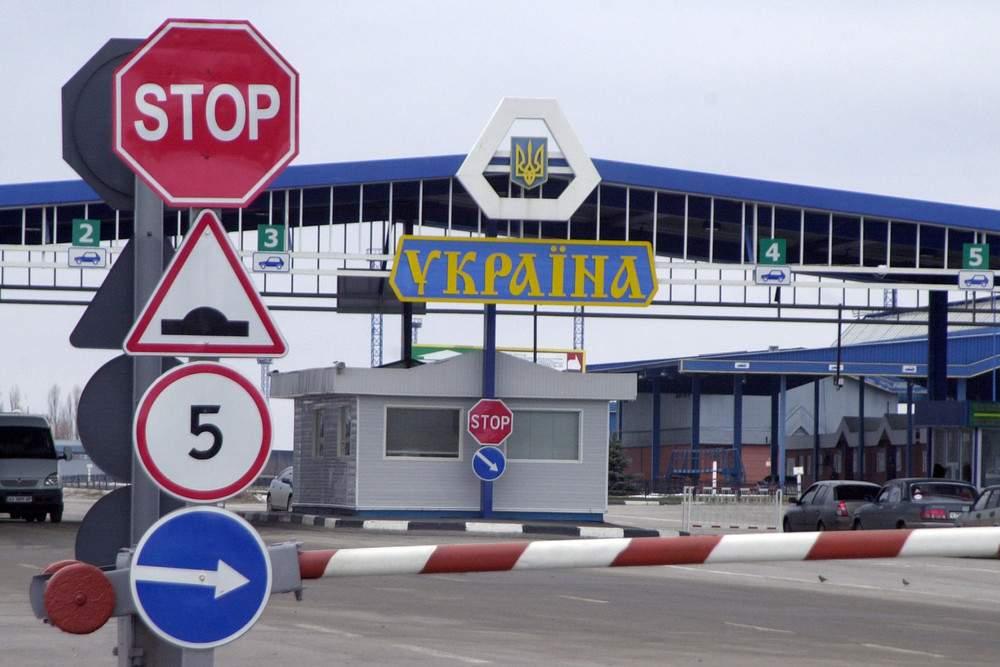 На российско-украинской границе возникла очередь из грузовых фур