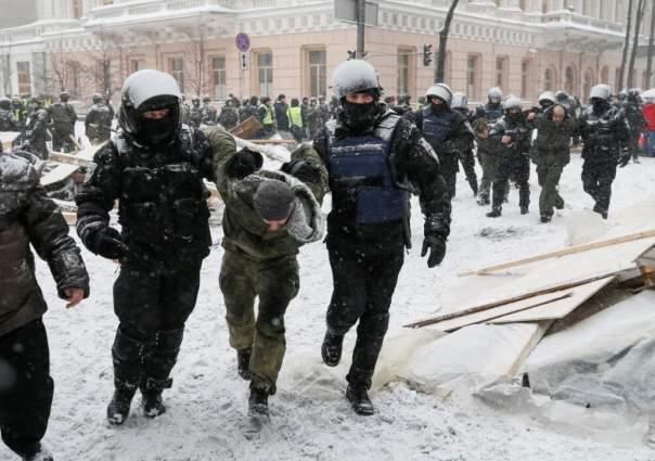 У здания ОГА в Виннице проходит акция против избиения активистов под ВР (Видео)