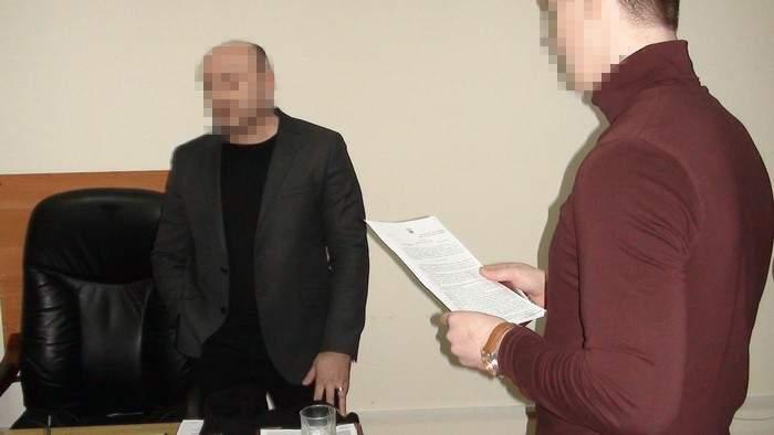 В Запорожской области налоговику-взяточнику объявили о подозрении