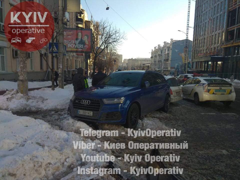 В Киеве произошло ДТП с участием полицейского авто (Фото)