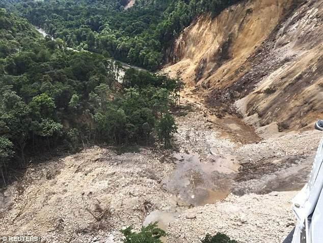 Папуа-Новую Гвинею потрясло новое разрушительное землетрясение (фото)