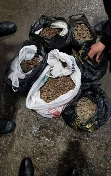 В Черноморском порту  пограничники задержали партию янтаря, которую пытались вывезти в Турцию