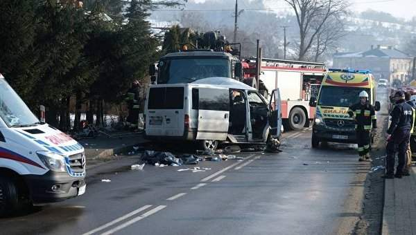 В Польше  микроавтобус столкнулся с грузовиком, погибли двое граждан Украины