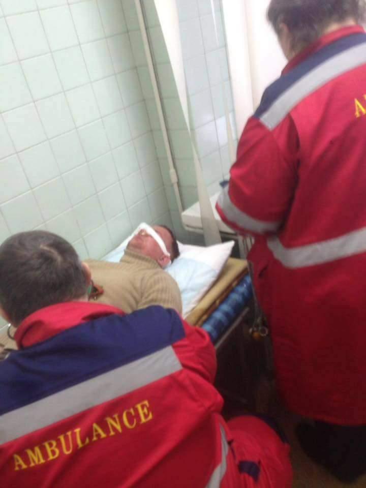 В Киеве неизвестные побили депутата и забрызгали глаза из баллончика (Фото)