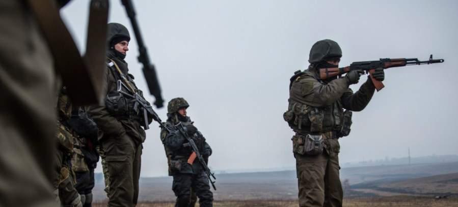 Обстрелы на Донбассе продолжаются. Ранен боец ВСУ