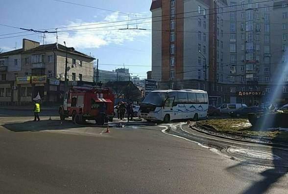 В Тернополе вспыхнул пассажирский автобус (фото)
