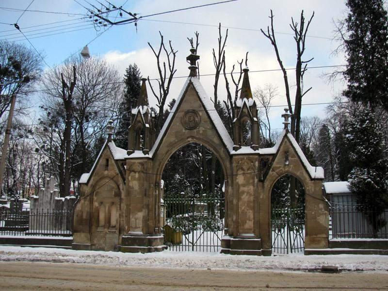 Около польского захоронения во Львове произошел взрыв