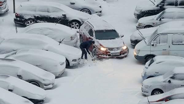 В Киеве из-за антициклона ожидается  сильный снег, порывы ветра и вьюга