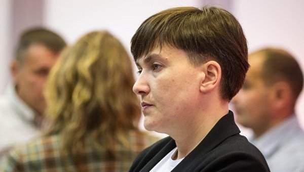 Савченко рассказала, что пришла в парламент с наградным оружием