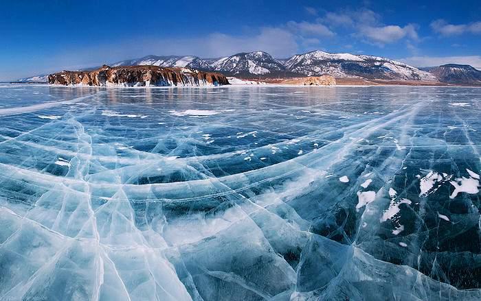 На озере Байкал после подземных толчков произошло цунами (видео)