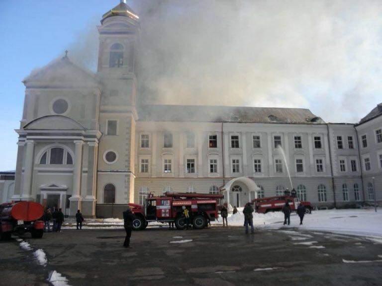 Во Львовской области произошел пожар в здании бывшего коллегиума Ордена иезуитов