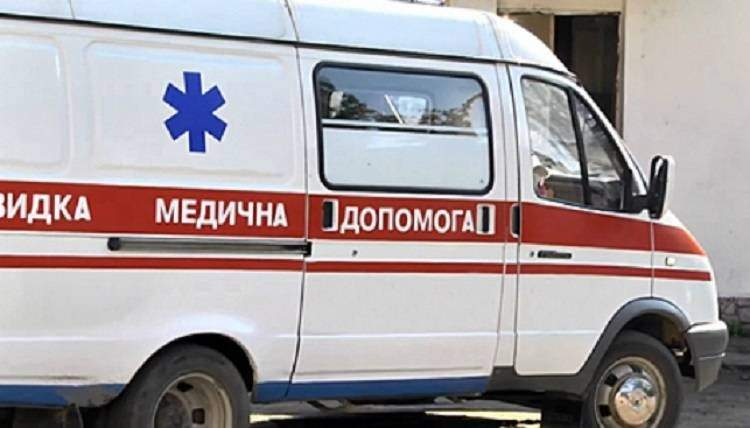 В Волынской области трухлявое дерево убило мужчину