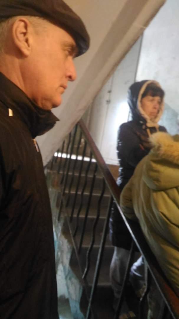 В Одессе аферисты представляются сотрудниками ЖЭКа и предлагают купить у них фильтры для воды