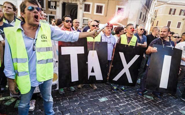 В столице Бельгии таксисты устроили забастовку против нового транспортного плана (фото)