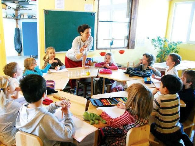 Во Франции дети начнут посещать школу с трёх лет