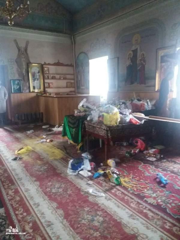 В Одесской области неизвестные осквернили храм (Фото)