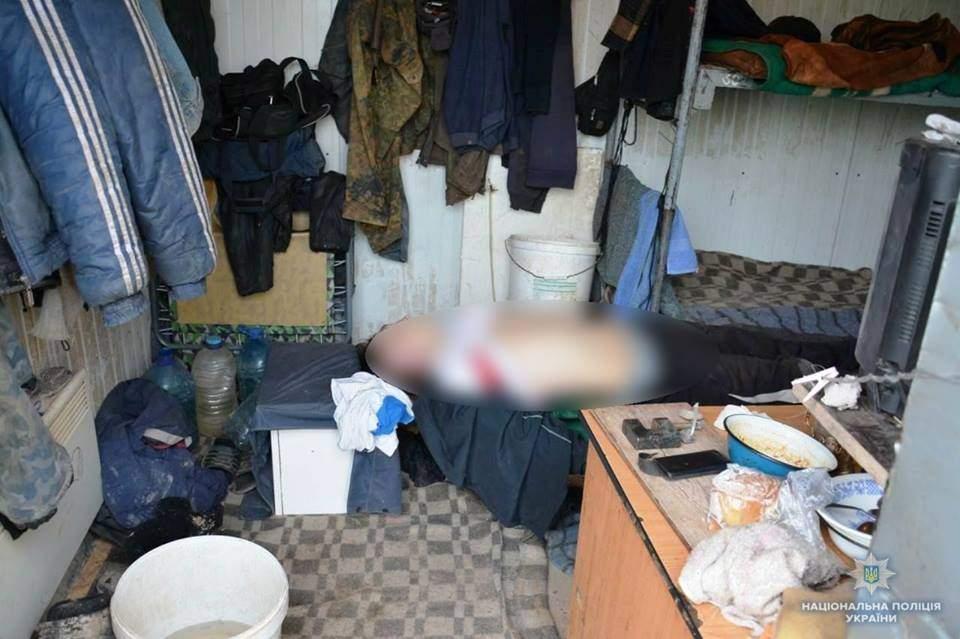 В Киевской области мужчина убил товарища и уснул рядом с ним (Фото)