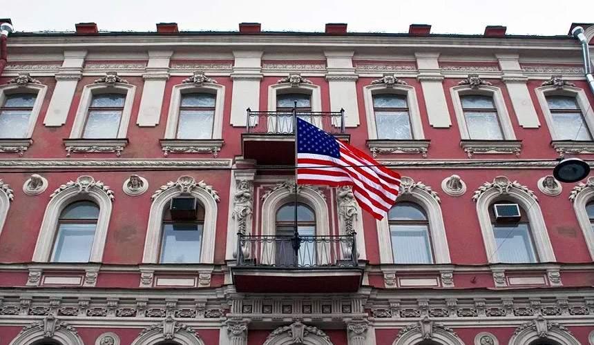 Американские дипломаты начали покидать РФ