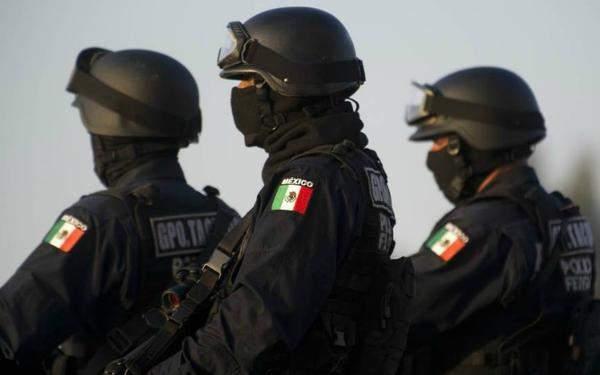 В Мексике во время пасхального шествия раздались выстрелы (видео)