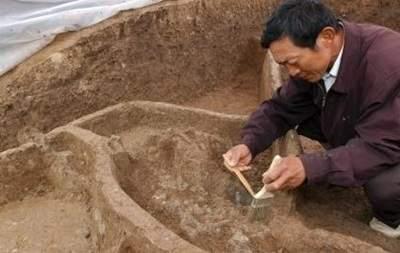 В Китае археологи обнаружили более 500 артефактом возрастом около четырех тысяч лет