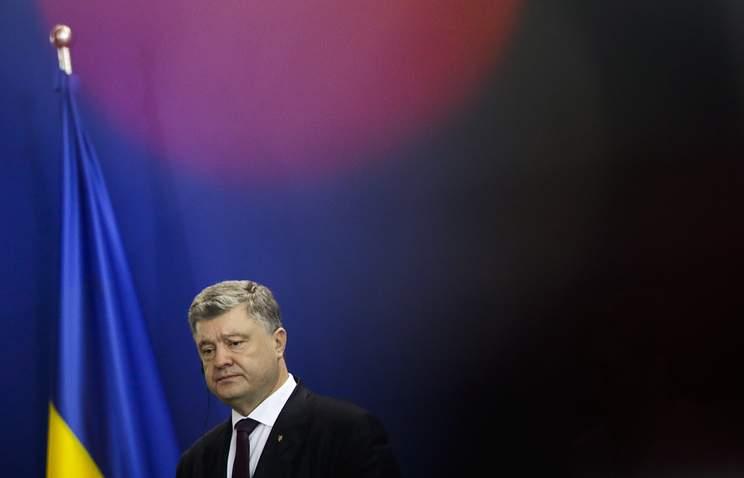 Порошенко поручил правительству подготовить предложения по выходу страны из СНГ