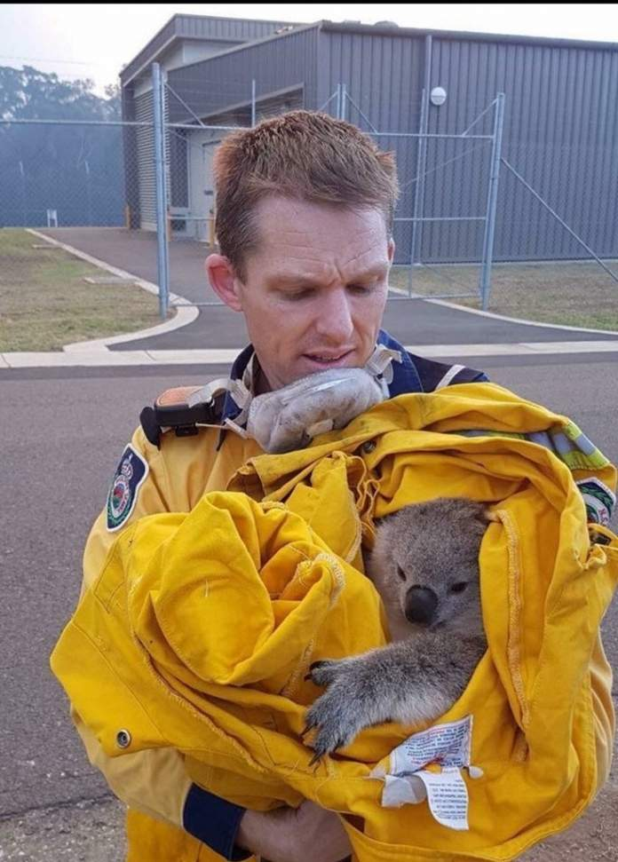 В Австралии эвакуируют крупную военную базу (Фото)