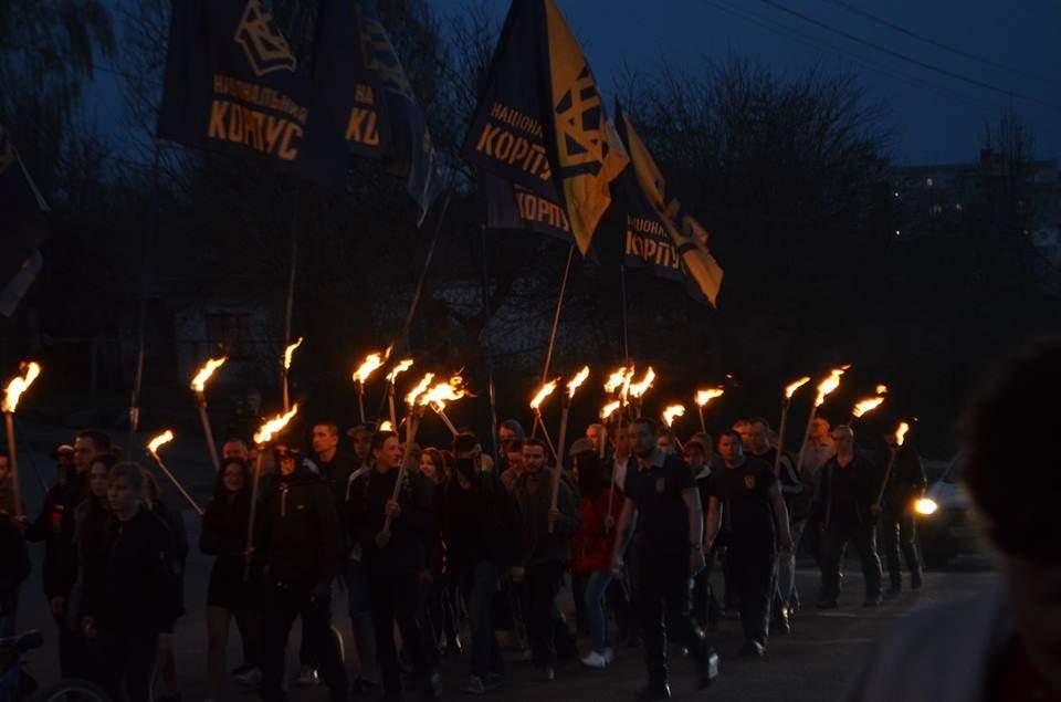 В Умани состоялось факельное шествие (Фото)