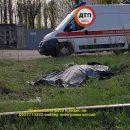 В Киеве в промзоне обнаружили труп женщины (фото)