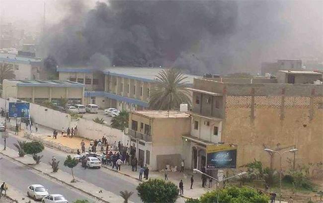 В Ливии террористы атаковали штаб-квартиру Высшей избирательной комиссии (видео)