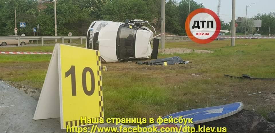 Смертельное ДТП в Киеве: один погиб, пятеро пострадавших (фото)