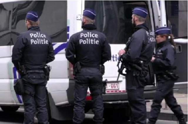 В Нидерландах вооруженный мужчина напал на толпу людей