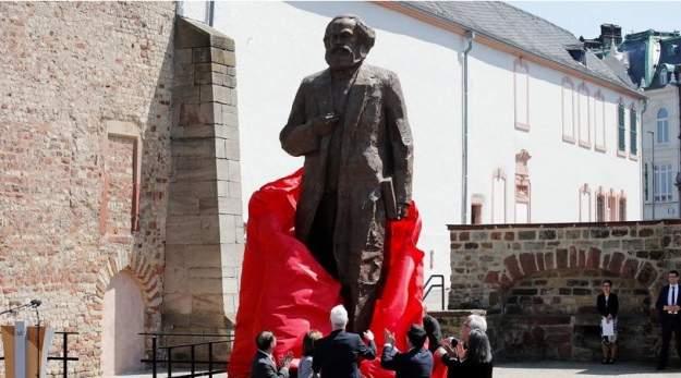 К 200-летию со дня рождения в Германии открыли памятник Карла Маркса