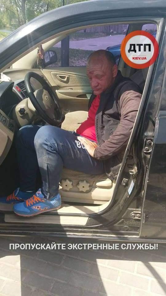 В Киевской области пьяный экс-полковник чуть не сбил человека (фото)